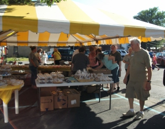 2015 Aug 1 Flea Market Bake sale tent (800x628)