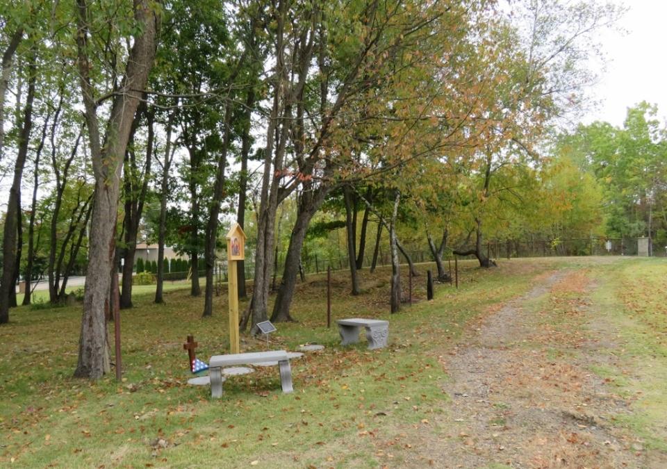 duryea-cemetery-018-1024x720
