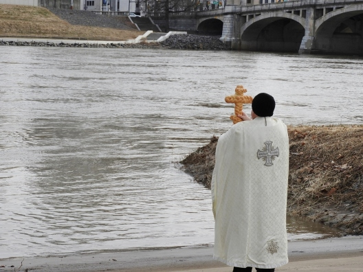 2019-02-10 Blessed cross placed in river